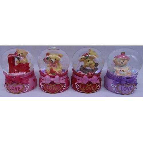 """Сувенир керамический Снежный шар """"Мишка на тортике LOVE"""" ⌀65мм"""