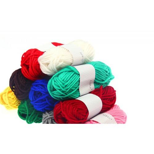 Пряжа цветная для рукоделия (1моточек)