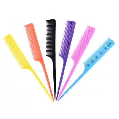 Расческа с остроконечной ручкой (хвостиком) 15-20см, пластик